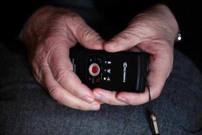 Pulseiras da PSP para crianças vão servir para localizar doentes com Alzheimer