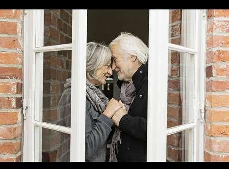 Vila adaptada para pacientes com Alzheimer torna-se modelo
